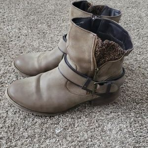 Womens size 9.5 jellypop boots